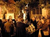 Descente de la Statue de St Vincent, qui part en procession jusqu'à la Cathédrale